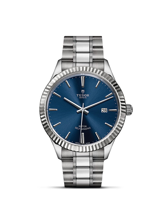 Style – 28 mm steel case – Blue dial Image